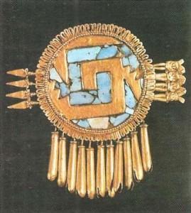 Украшение из золото и бирюзы. Сапотекская (миштекская) культура. 12 век