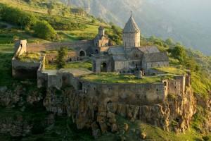 Татевский монастырь — армянский христианский монастырский комплекс IX—XIII вв. в южной Армении, в 20 км от города Горис.