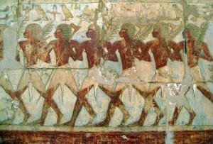 Фреска, изображающая солдат, несущих ветви и топоры. Торговая экспедиция Хатшепсут в страну Пунт. Находится в погребальном храме Хатшепсут, близ Луксора (Фивы). Новое царство, ок. 1479-1458 гг. до н.э.