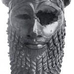 (Вид спереди).Бронзовая голова царя, скорее всего, Саргона Древнего