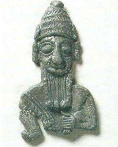 Священный амулет в виде фигурки бога. XIX-XVIII вв. до н.э. Хетты