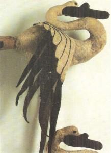 Войлочные фигурки лебедей и Пазырыкского кургана