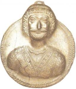 Медальон с портретом парфянского царя. Сасанидский период
