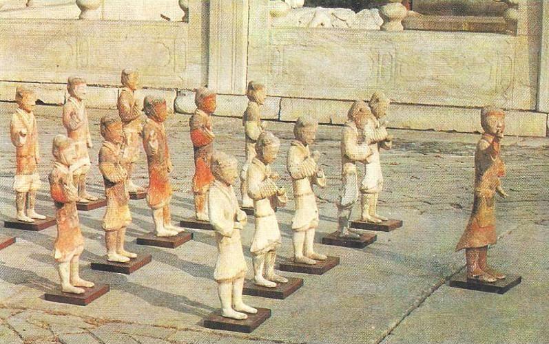 Цивилизация Древнего Китая Империи Цинь и Хань  Отряд пехотинцев Крашеная глина Шэньси Первая половина ii в до н э