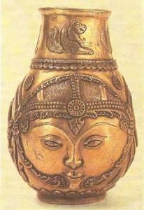 Сосуд с изображением лица и охоты. Сасанидский период
