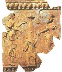 Аполлон и Диана венчают священный столп. 28 г. до н.э.