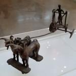 Фигурка колесничего, найденная в Хараппе.