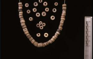 Ожерелье из камня. Ок. 4600 г. до н.э. Франция.