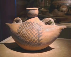 Глиняный сосуд из Китая. Неолит.