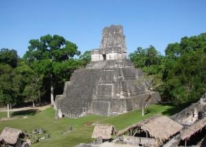 Дворец №1. Город Тикаль. Гватемала.