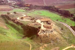 Современный вид на холм, где был расположен древний Хацор (Израиль)