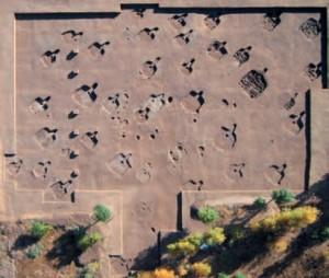 Раскопки деревни, вид сверху.