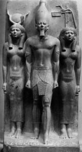 Фараон Микерин с двумя богинями