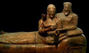 Этрусский саркофаг супругов из некрополя Бандитачча. Полихромная терракота, VI в. до н. э.