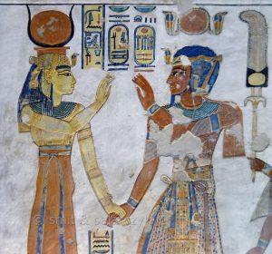 Настенная роспись. Рамсес III и Хатхор в гробнице Аменхерхпшефа, сына Рамсеса III.